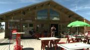 La place du village : La vie au Restaurant d'altitude « La Roche de Mio » à La Plagne