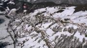 Survolez la station de La Clusaz en hiver