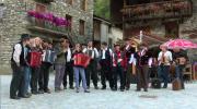 La Place du Village : Rassemblement musical des gens de l'Alpe à Bonneval sur Arc (Haute Maurienne)