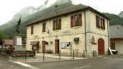La place du village : Rencontres à Chevaline