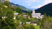 La place du village : Saint-Nicolas la Chapelle (Haut Val d'Arly)
